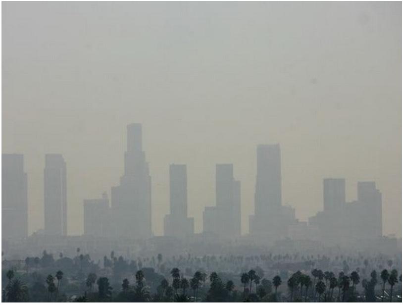 Bầu trời California chìm trong khói bụi